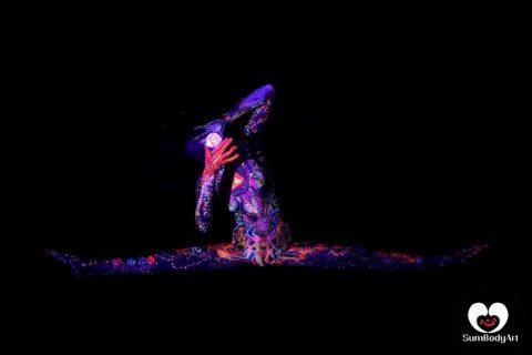 Die-vielseitige-Tänzerin-und-Showkünstlerin-aus-Köln-13