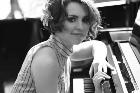 Die-vielsetitige-Pianistin-und-Organistin-aus-Mainz-1