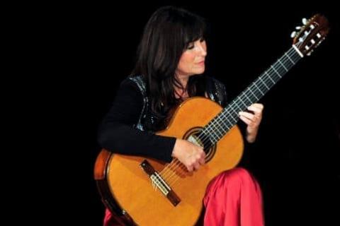 Klassisch-Spanische Gitarristin aus München