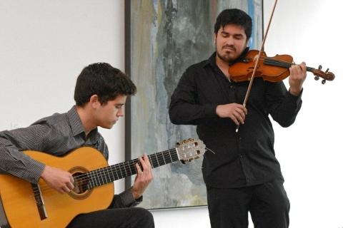 Leidenschaftliches Duo Geige & Gitarre Dresden (1)