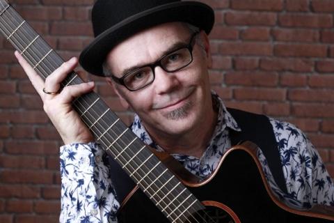 Gitarrist und Sänger Rhein-Main (1)
