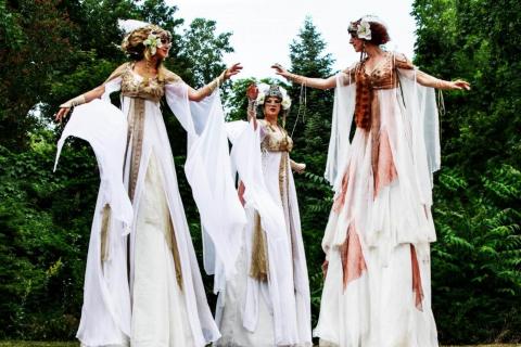 Kostumshows-Stelzen-und-Feuertänzerin-aus-Berlin-2