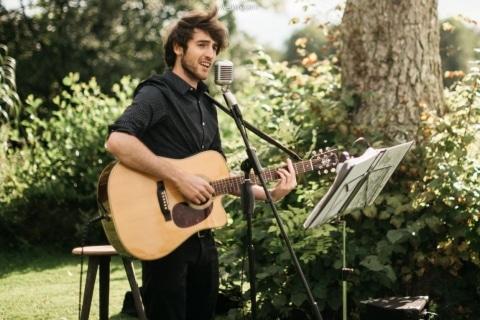 Leidenschaftlicher Sänger aus Hamburg (4)
