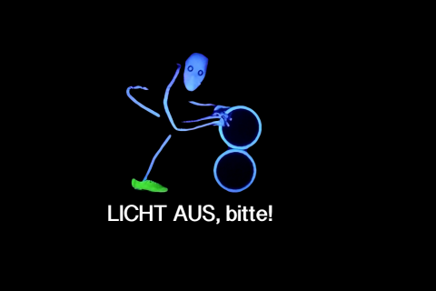 LICHT-AUS-bitte-schwarzlichttheater (2)