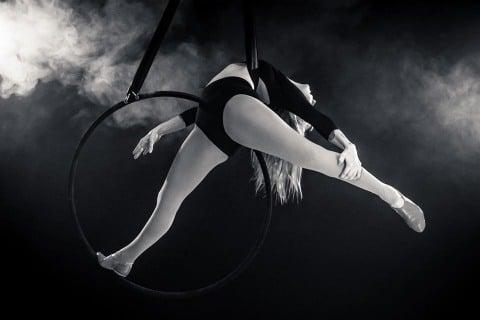 Luftakrobatik-und-Burlesque-Shows-aus-Berlin-1