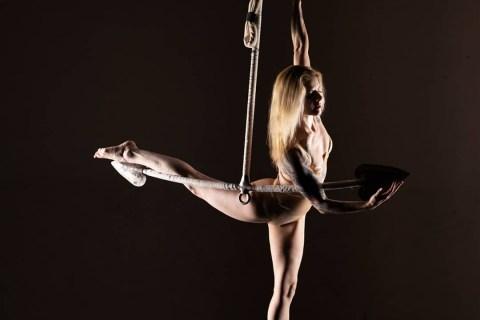 Luftakrobatik-und-Burlesque-Shows-aus-Berlin-7