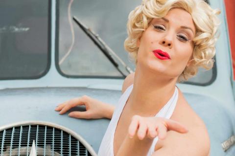 Marilyna-•-Marilyn-Monroe-Double-1