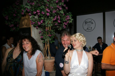 Marilyna-•-Marilyn-Monroe-Double-12
