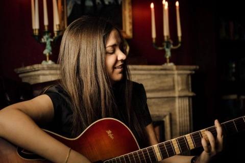 Multiinstrumentalistin-und-Sängerin-aus-Saarland-11