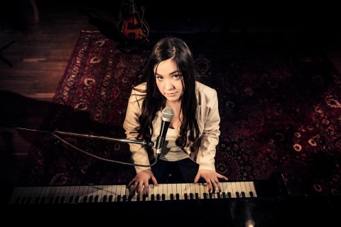 Multiinstrumentalistin-und-Sängerin-aus-Saarland-7
