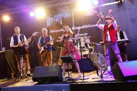Original Münchner Oktoberfestband (7)