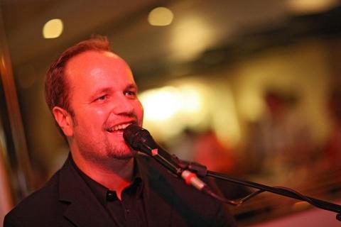 Pianist und Sänger aus Oldenburg (2)