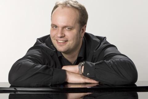 Pianist und Sänger aus Oldenburg (3)