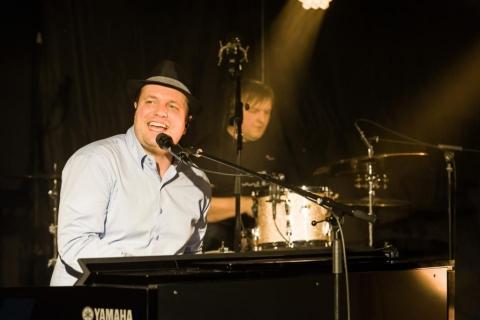 Pianist und Sänger aus Oldenburg (5)