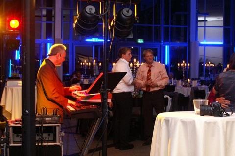 Piano-Entertainer-•-Dienstleister-und-Künstler-am-Klavier-10