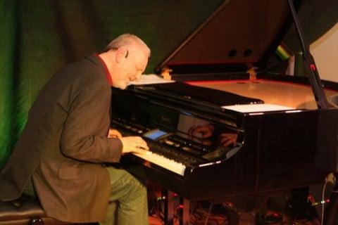 Piano-Entertainer-•-Dienstleister-und-Künstler-am-Klavier-2