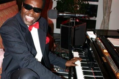 Rock' Bluesy Francky - Pianist und Sänger (10)