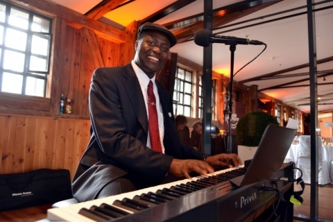Rock' Bluesy Francky - Pianist und Sänger (5)