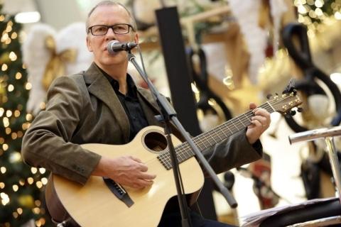 Sänger und Gitarrist aus Karlsruhe (3)