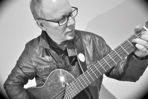 Sänger und Gitarrist aus Karlsruhe (6)