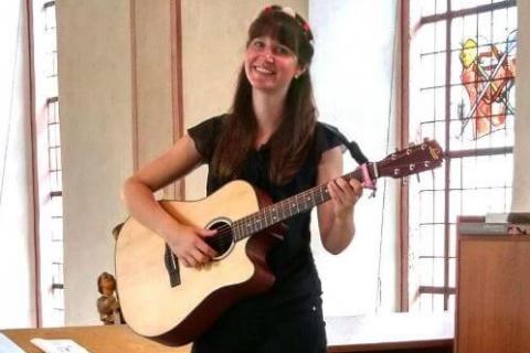 Sangerin Gitarristin Lefay für Ihre Hochzeit!