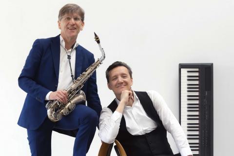 Saxophone-und-Piano-Duo-mit-Gesang-1