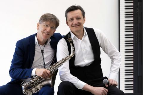 Saxophone-und-Piano-Duo-mit-Gesang-2
