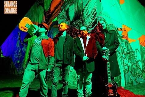 Strange Orange Hardrock Band (5)