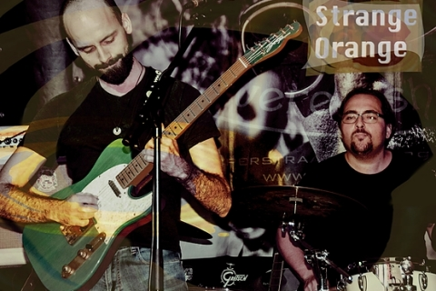 Strange Orange Hardrock Band (7)
