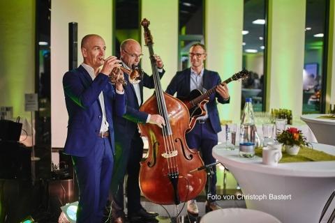 Sweet-Jazz-Trio-2
