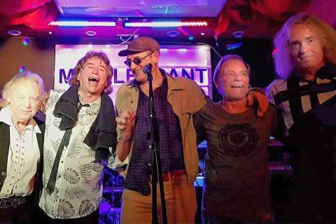 The-Kinks-Tribute-Band-12