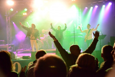 The-Queen-Tribute-Band-11