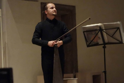 VielSaitiger Violinist Vladi (6)