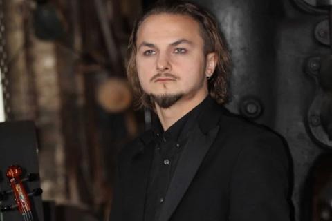 VielSaitiger Violinist Vladi (9)
