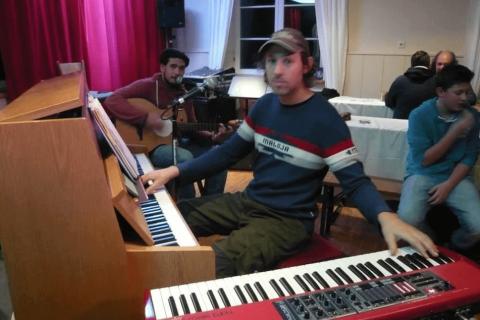 Vielseitige Solopianist Dom - Klavier und Gesang (2)
