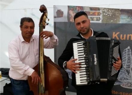 Virtuoser Akkordeonist Florian aus dem Westen (4)