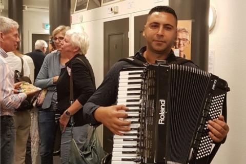 Virtuoser Akkordeonist Florian aus dem Westen (5)