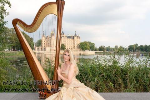 Maßgeschneiderte Eventmusik an der Harfe
