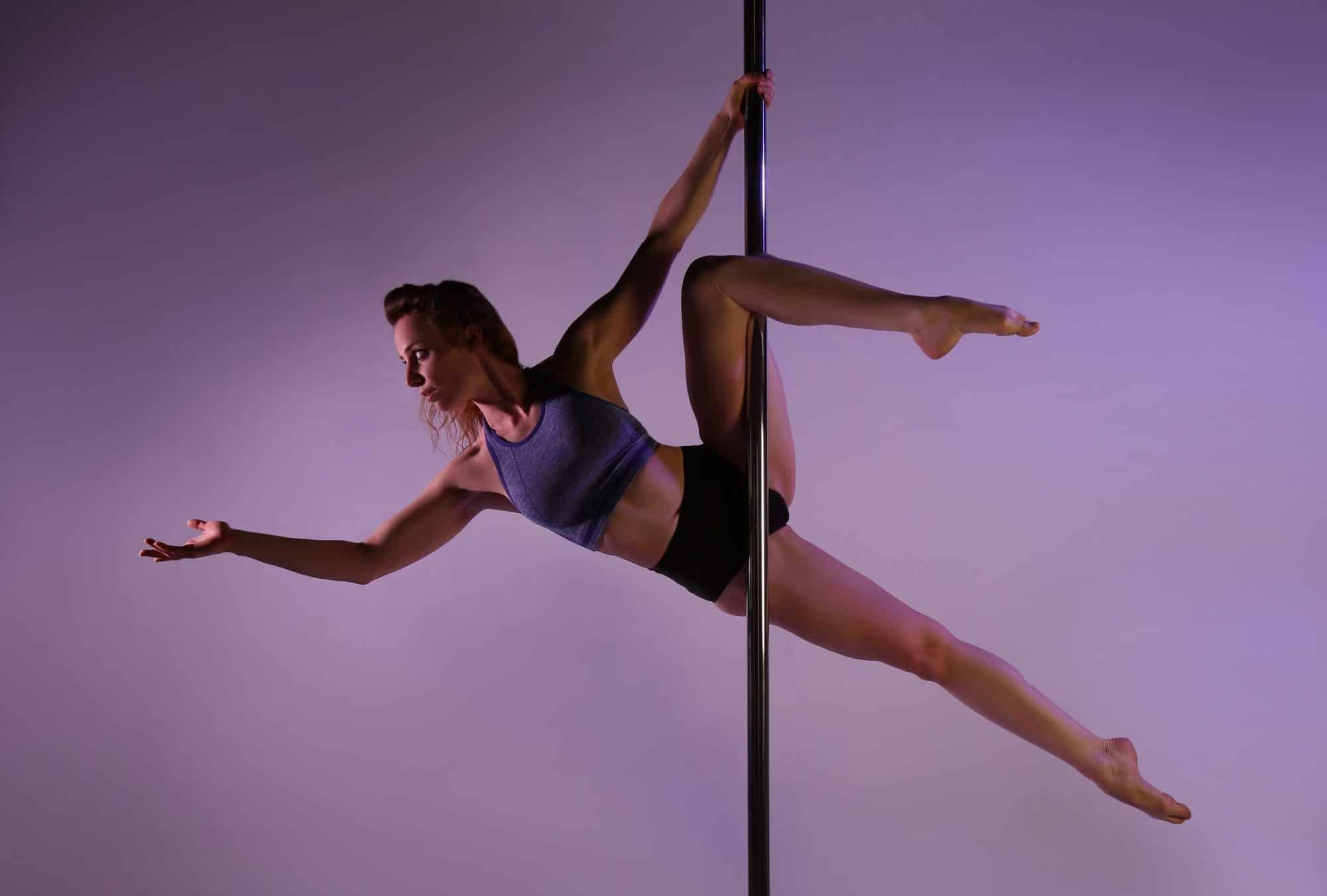Pole-Tänzerin aus Aachen