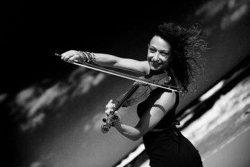 Die vielseitige Violinistin aus Berlin