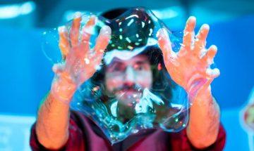 Der erstaunliche Wiener Bubble Künstler